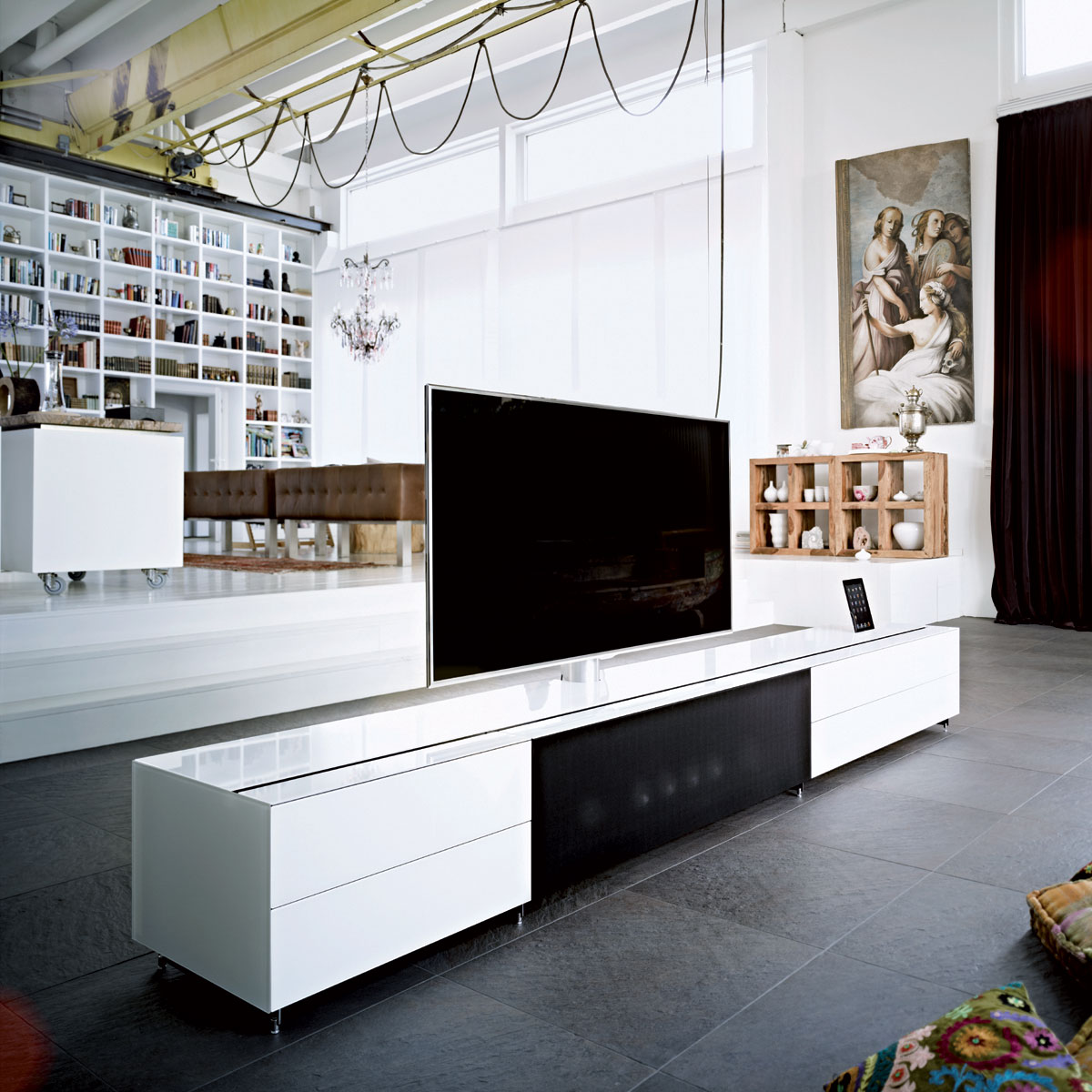 neuigkeiten rund um hifi tv m bel design und licht. Black Bedroom Furniture Sets. Home Design Ideas