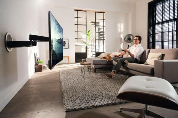 Vogel's NEXT 7356 OLED Motion-Mount elektrisch schwenkbarer TV-Wandhalter